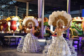 Mardi_Gras_World_826